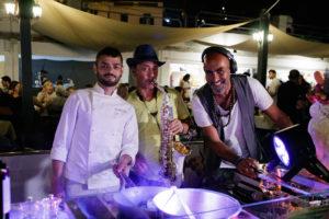 IL COOKING DJ CHEF DEL TORONERO,  SAPORI  E  SUONI  DELL'ESTATE.          Foto