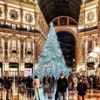 """MILANO TRA NEVE E  """"CHRISTMAS CAROL"""""""