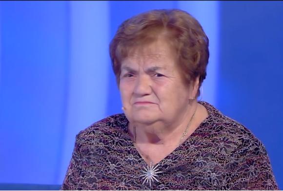 TUTTI PAZZI PER SARINA, CHE HA CONQUISTATO IL PUBBLICO DI CANALE 5…E I SOCIAL