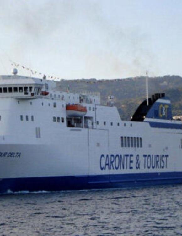 """POSITIVI NELLA NAVE CARTOUR DELTA. CARONTE & TOURIST: """"SITUAZIONE SOTTO CONTROLLO"""""""