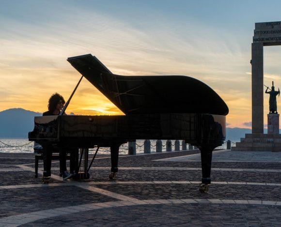 IL PIANOFORTE SULLO STRETTO DI GIOVANNI ALLEVI INCANTA REGGIO CALABRIA