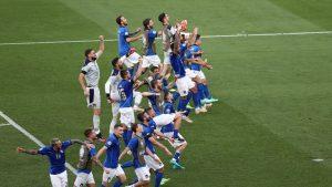 L'ITALIA CONTINUA A VOLARE